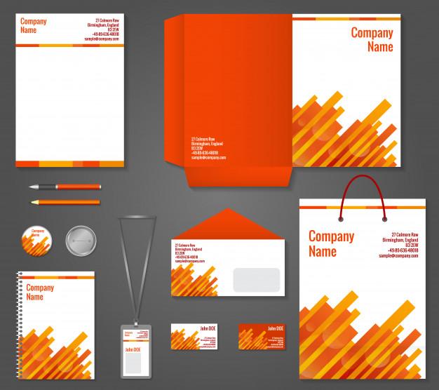 תעצבו חוברות וקטלוגים כדי להכין תיק עבודות בתוכנות הגרפיקה ממוחשבת אינדיזיין