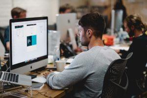עיצוב גרפי הסבה מקצועית – כמה מרוויח מעצב גרפי מתחיל?
